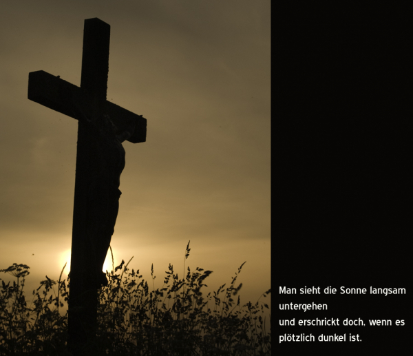 Kreuz im Abendlicht
